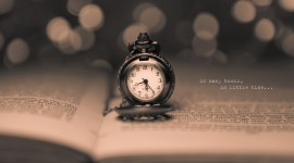 4K Pocket Watch Photo Free