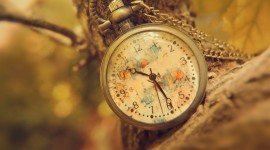 4K Pocket Watch Wallpaper For PC