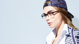 4K Girl Glasses Wallpaper Download