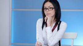 4K Girl Glasses Wallpaper Free
