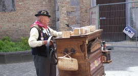 Barrel Organ Wallpaper Download