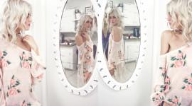 Blonde Mirror Image Download