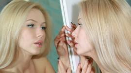 Blonde Mirror Photo Download