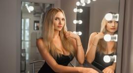 Blonde Mirror Photo Free