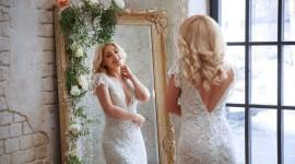 Blonde Mirror Wallpaper