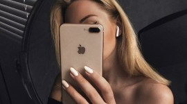 Blonde Mirror Wallpaper For IPhone Free