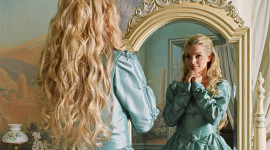 Blonde Mirror Wallpaper Free