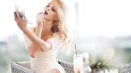 Blonde Mirror Wallpaper Gallery