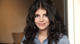 Nikki Yanofsky Photo Free