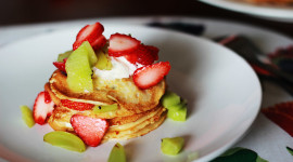 Pancakes With Fruits Wallpaper 1080p
