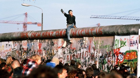 The Collapse Of The Berlin Wall wallpapers high quality