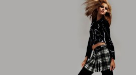 Wall Girl Model Picture Download