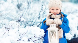 4K Winter Lantern Photo Free