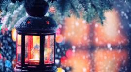 4K Winter Lantern Wallpaper