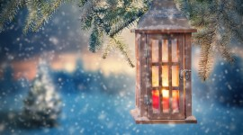 4K Winter Lantern Wallpaper Download