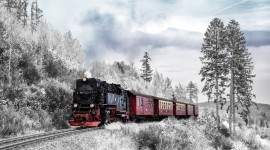 4K Winter Train Wallpaper Download
