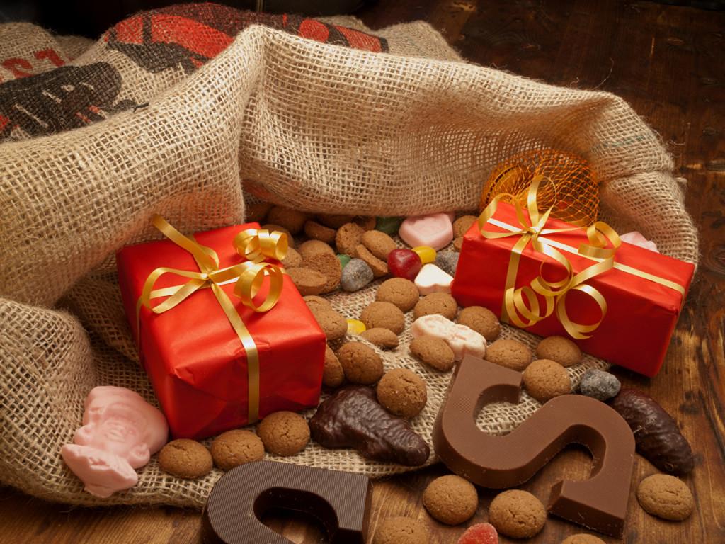 Bag With Christmas Gifts wallpapers HD
