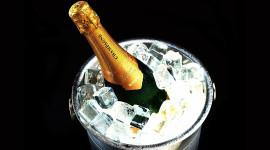 Champagne Bucket Desktop Wallpaper