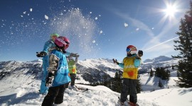 Children Skiing Image Download
