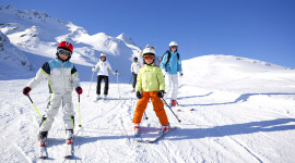 Children Skiing Wallpaper