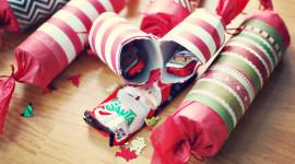 Christmas Crackers Desktop Wallpaper