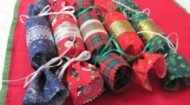 Christmas Crackers Wallpaper Free