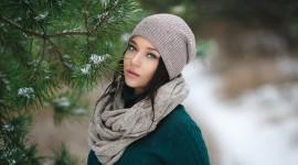 Girl Winter Hat Desktop Wallpaper