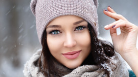 Girl Winter Hat Wallpaper