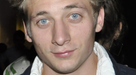 Jeremy Allen White Wallpaper For IPhone Download