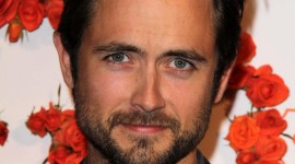 Justin Chatwin Wallpaper Gallery