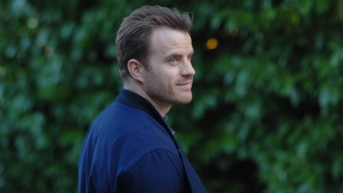 Robert Kazinsky wallpapers high quality