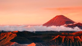 4K Eruption Of Volcano For IPhone