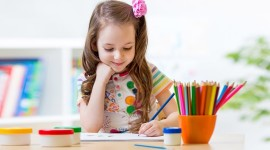 A Child Draws Photo Free