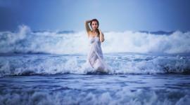 Girl Wave Model Wallpaper