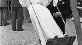 Henri Cartier-Bresson Photos For IPhone