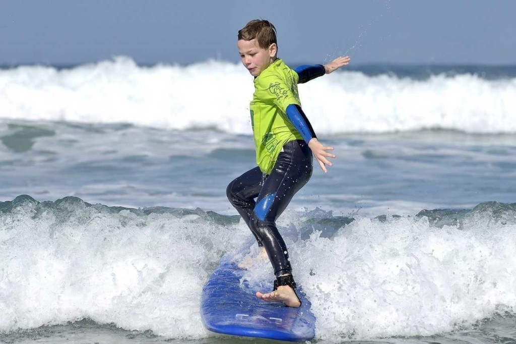 Kids Surfing wallpapers HD