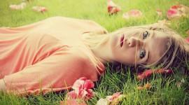 Model Girl Grass Best Wallpaper