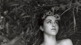 Model Girl Grass Image