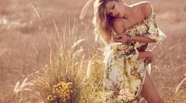 Model Girl Grass Photo