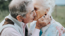 Old People In Love Wallpaper For IPhone#1