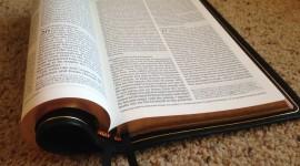 Bible Book Desktop Wallpaper HD
