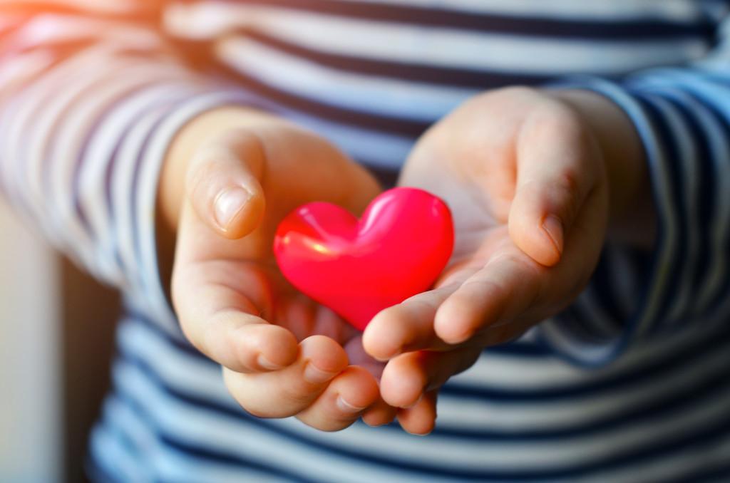 Children Hand Hearts wallpapers HD