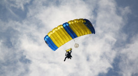 Parachuting Desktop Wallpaper Free