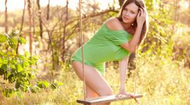Swing Model Girl Desktop Wallpaper