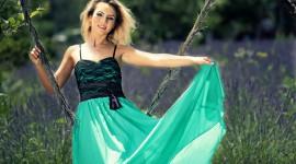 Swing Model Girl Photo