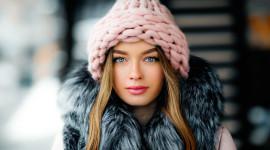 4K Girl Fur Model Wallpaper