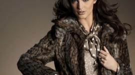 4K Girl Fur Model Wallpaper For Mobile