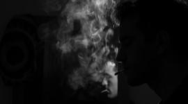 4K Man Cigarette Desktop Wallpaper