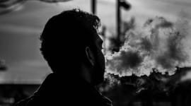 4K Man Cigarette Photo Free