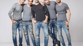 4K Man Jeans Wallpaper Download Free